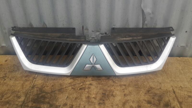 Решетка радиатора Mitsubishi Outlander Xl 2006 (б/у)