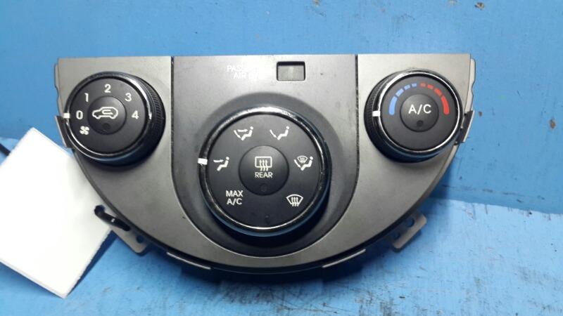 Блок управления климат-контролем Kia Soul 2008 (б/у)
