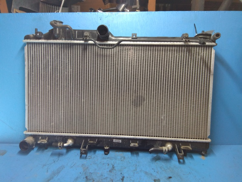 Радиатор охлаждения двигателя Subaru Outback 2007 (б/у)