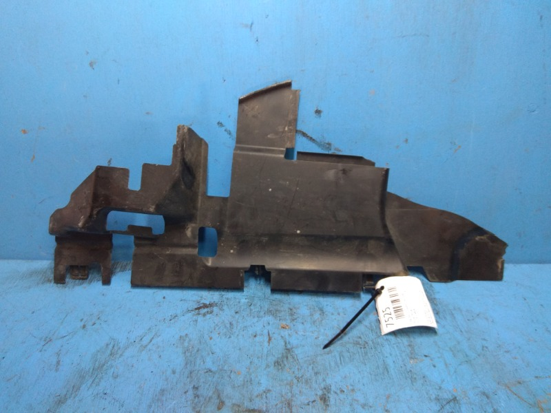 Дефлектор радиатора Nissan Murano Z51 2010 правый (б/у)