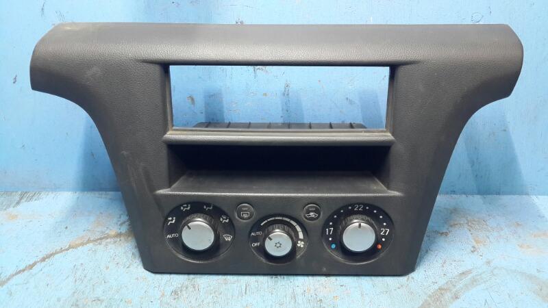 Блок управления климат-контролем Mitsubishi Outlander 1 2003 (б/у)