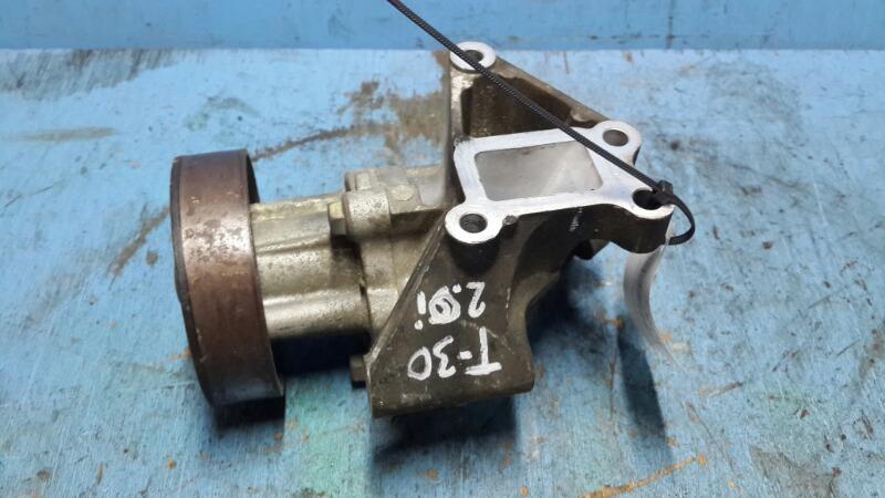 Помпа Nissan Xtrail T30 2.0 2000 (б/у)