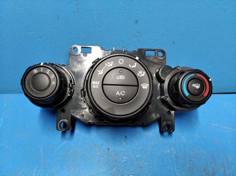 Блок управления отопителем Ford Fiesta Mk6 2012 (б/у)