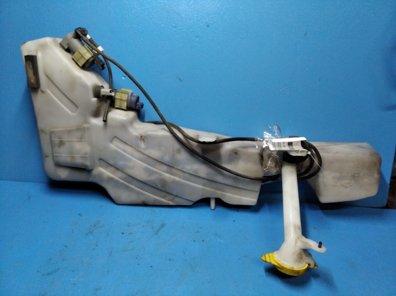 Бачок омывателя Nissan Pathfinder 2005 (б/у)
