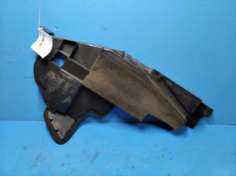 Дефлектор радиатора Nissan Xtrail T31 2010 правый (б/у)