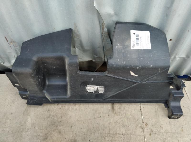 Дефлектор радиатора Nissan Qashqai J10 2006 правый (б/у)