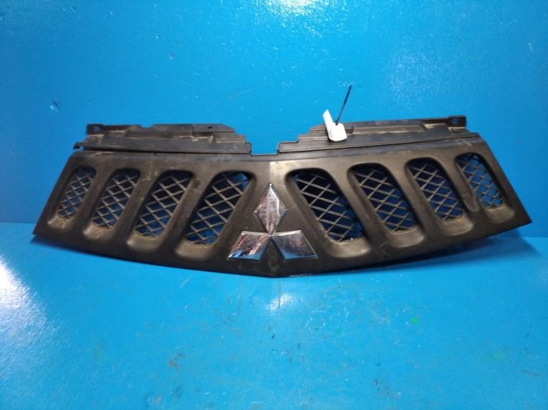 Решетка радиатора Mitsubishi L200 2010 (б/у)