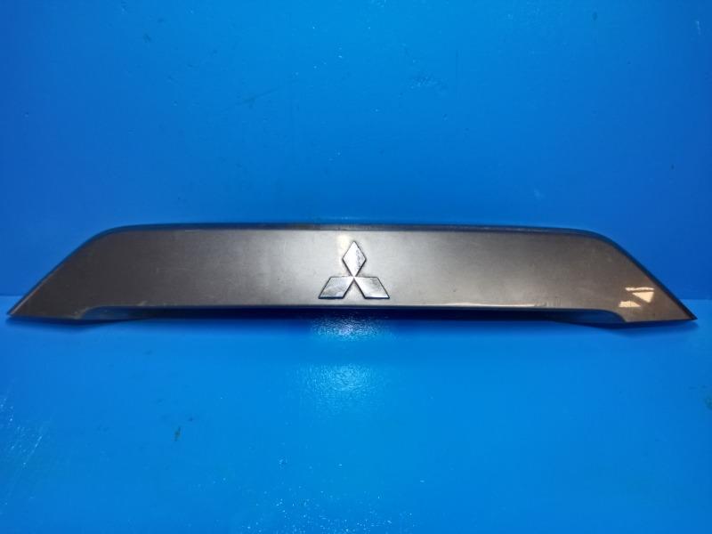 Накладка двери багажника Mitsubishi Outlander Xl 2006 (б/у)