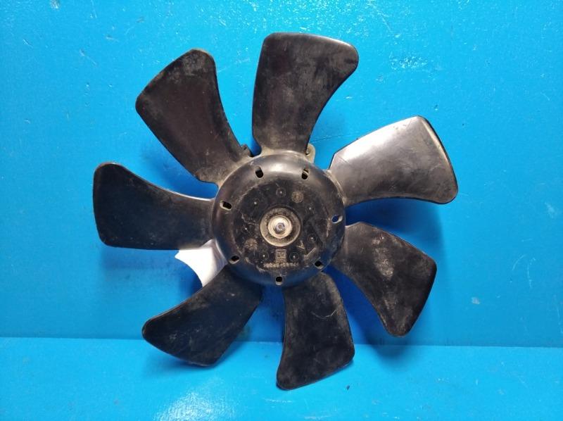Мотор вентилятора охлаждения Mitsubishi Outlander Xl 2.4 2006 правый (б/у)