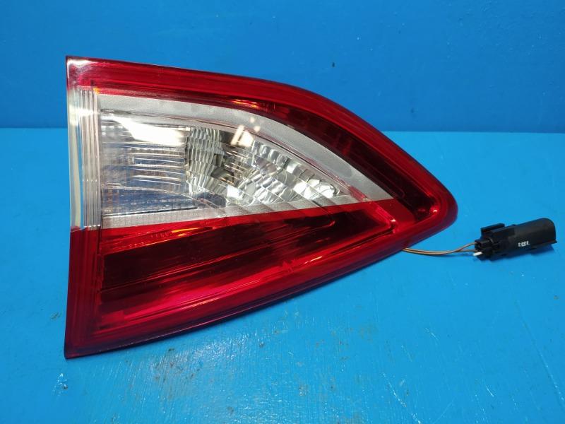 Фонарь внутренний Ford Kuga 2 2012 задний правый (б/у)