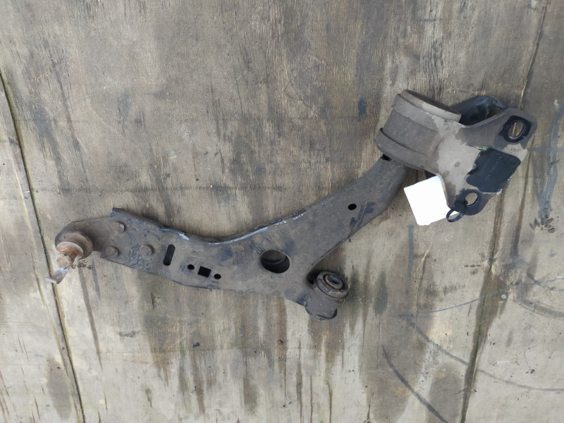 Рычаг подвески Ford Kuga 2 2012 передний правый (б/у)