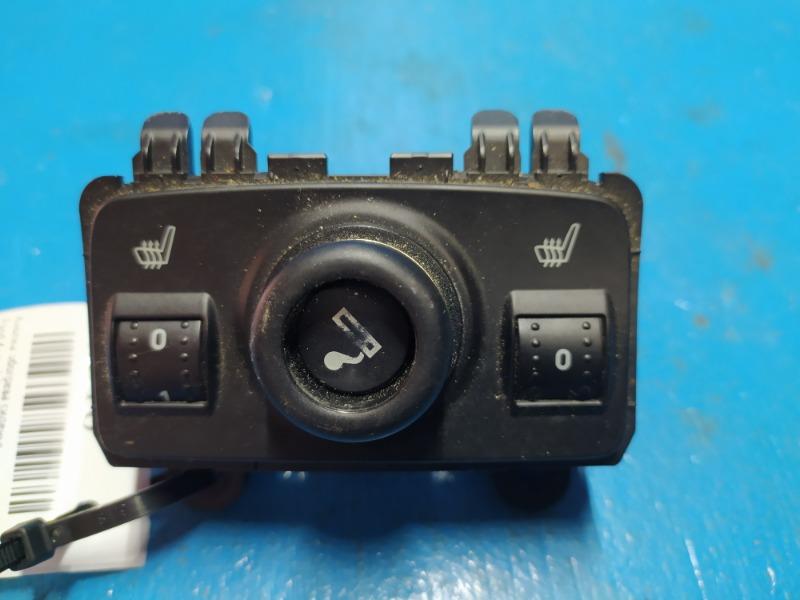 Кнопка обогрева сиденья Ford Kuga 2 2012 (б/у)