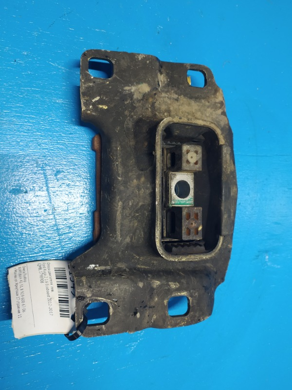 Опора двигателя Ford Kuga 2 1.6 ECOBOOST 2012 левая (б/у)