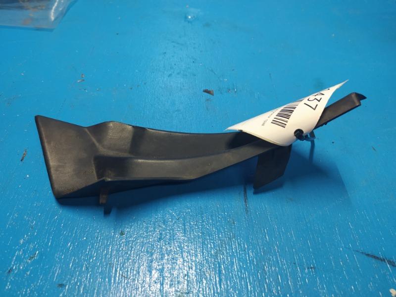 Уголок решетки стеклоочистителя Nissan Xtrail T31 2007 правый (б/у)