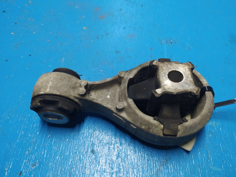 Опора двигателя Nissan Qashqai J10 2007 правая (б/у)