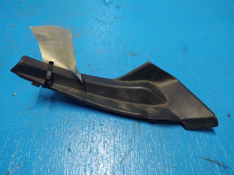 Накладка решетки стеклоочистителя Nissan Xtrail T31 2007 правая (б/у)