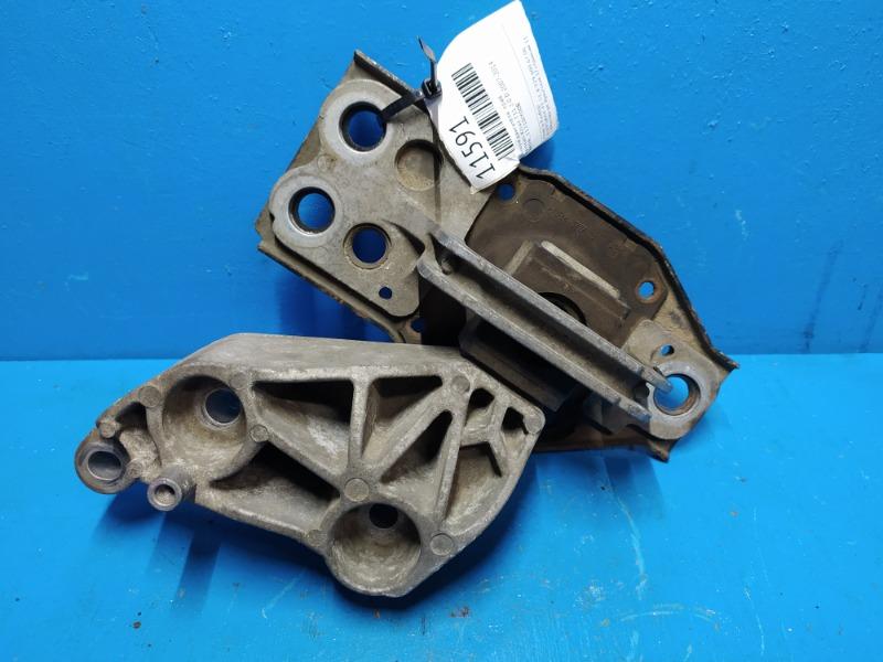 Опора двигателя Nissan Xtrail T31 2.0 D 2007 правая (б/у)
