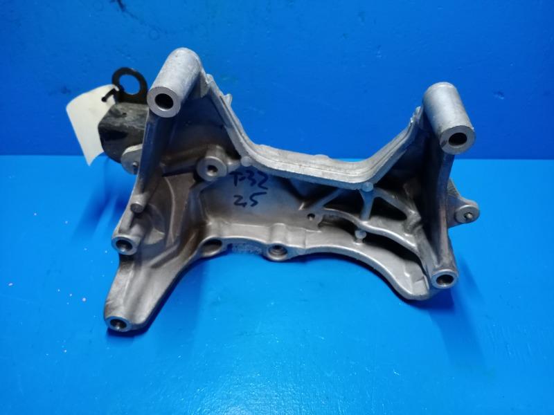 Кронштейн двигателя Nissan Xtrail T32 2.5 2014 правый (б/у)