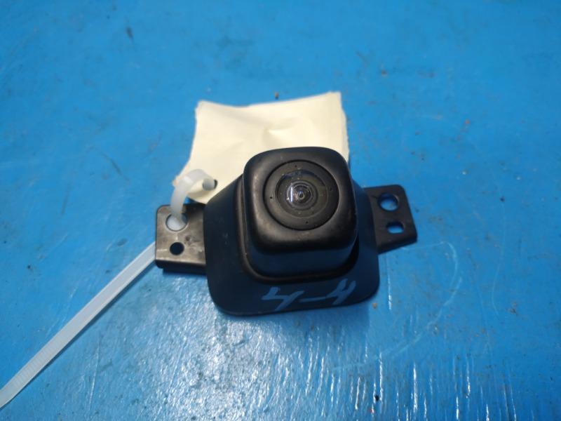 Камера переднего вида Toyota Rav4 Ca40 2012 (б/у)