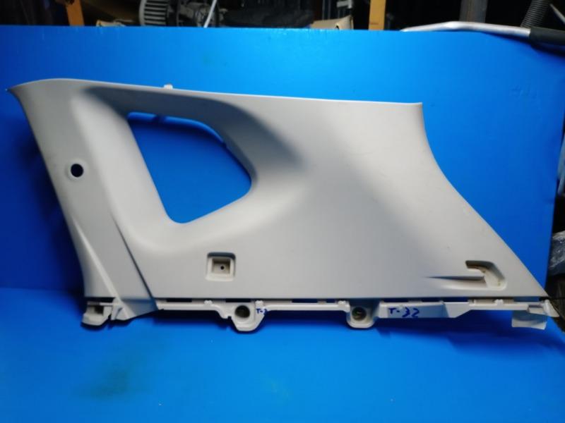 Обшивка багажника Nissan Xtrail T32 2014 правая верхняя (б/у)