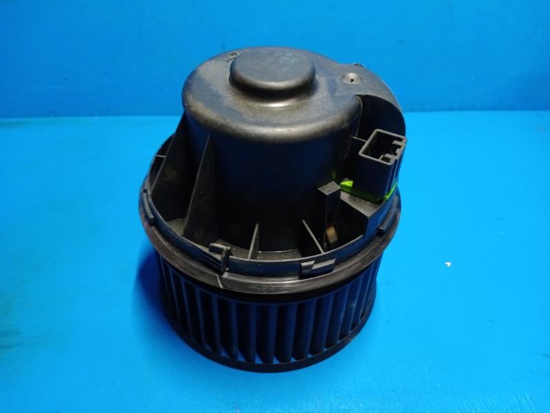 Мотор печки Ford Kuga 2 2012 (б/у)