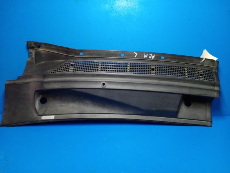 Решетка стеклоочистителя Nissan Armada 2004 левая (б/у)