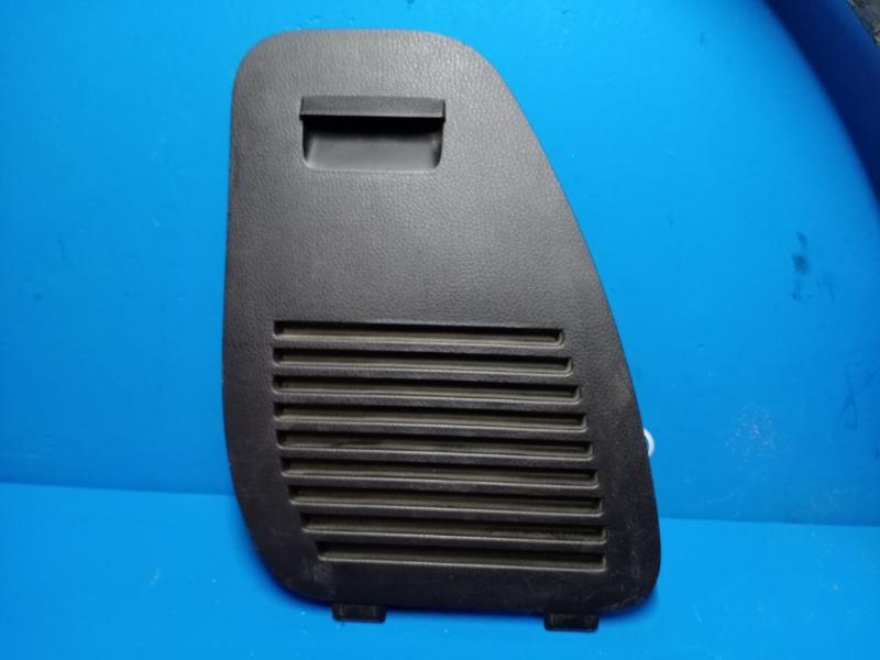 Заглушка обшивки багажника Toyota Rav4 Ca40 2012 правая (б/у)