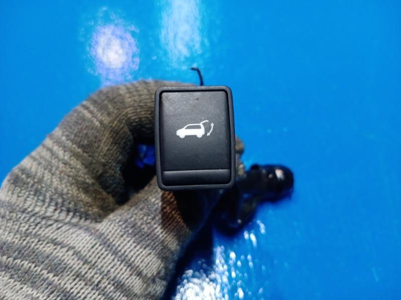 Кнопка открывания багажника. Nissan Xtrail T32 2014 (б/у)
