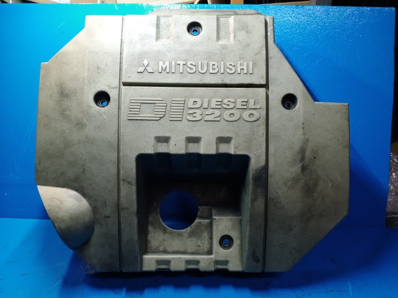 Декоративная крышка двигателя Mitsubishi Pajero 3 3.2 2000 (б/у)