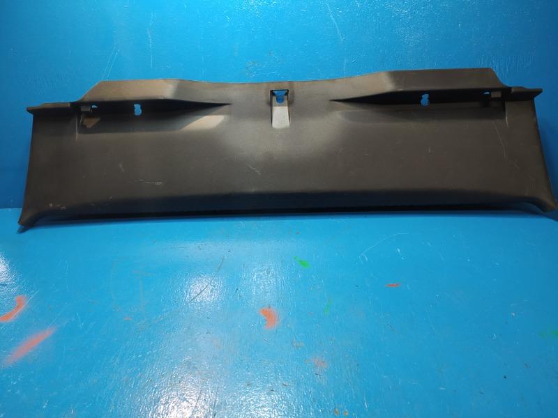 Обшивка задней панели багажника Mitsubishi Lancer 10 2007 (б/у)