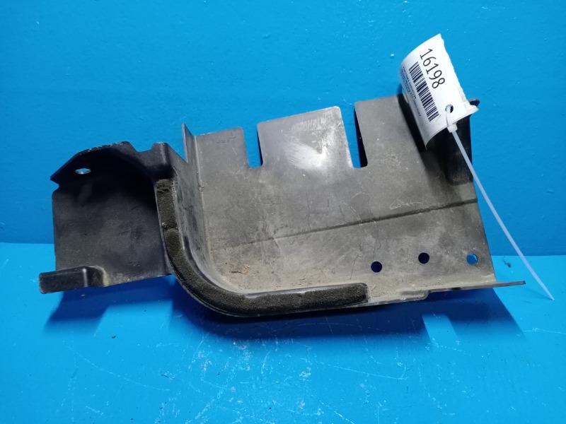 Накладка радиатора Nissan Murano Z51 2000 (б/у)