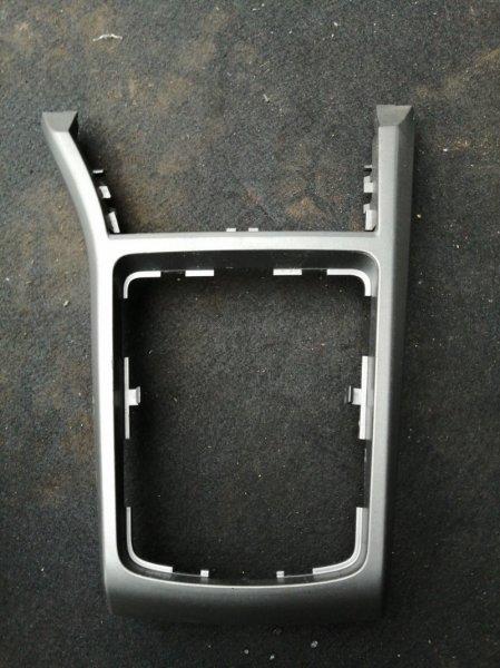 Консоль между сидений Opel Astra L48 Z16XEP 2008 (б/у)
