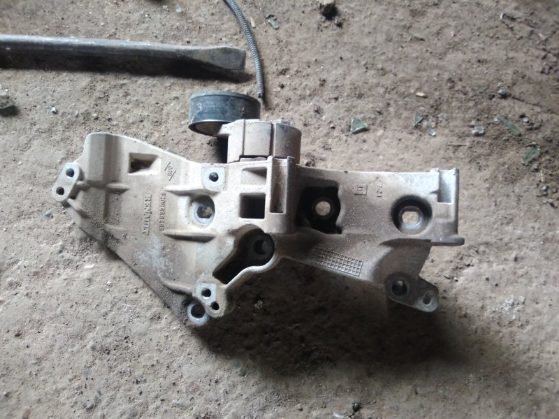 Кронштейн генератора Renault Megan 3 KZ0G/KZOU/KZ1B K4MV838 2014 (б/у)