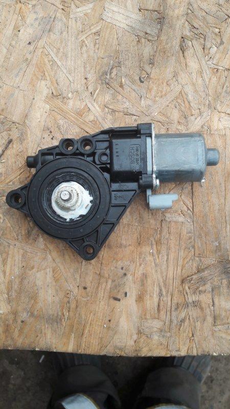 Мотор стеклоподъемника Hyundai I30 G4FC 2010 задний левый (б/у)