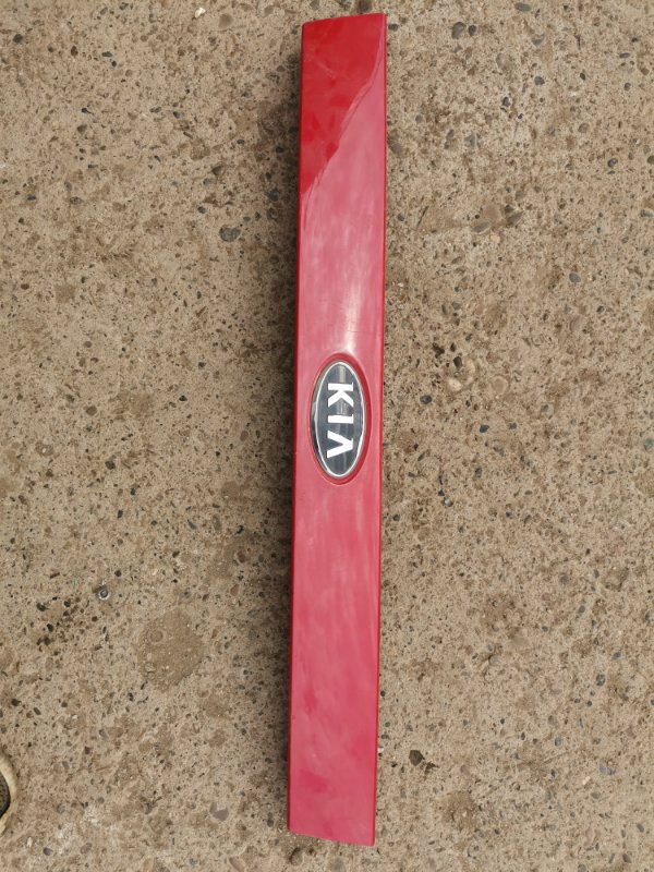 Накладка крышки багажника Kia Picanto G4HE 2008 (б/у)