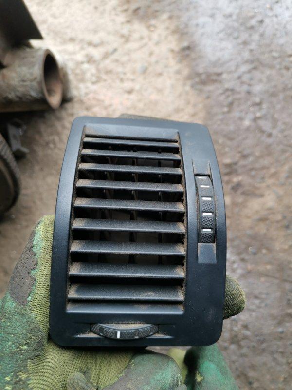 Дефлектор воздуховода Skoda Octavia A5 BSE 2008 левый (б/у)