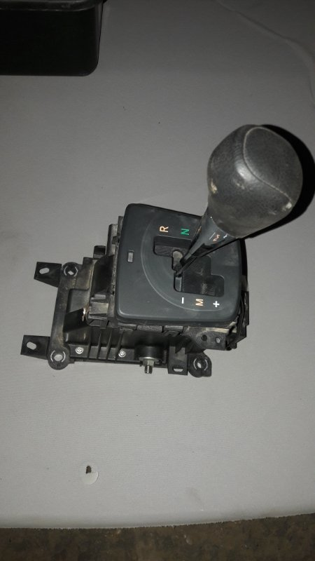 Селектор акпп Toyota Corolla 150 1ZR-FE 2008 (б/у)