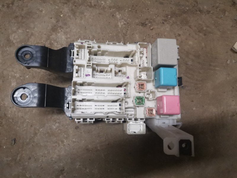 Блок предохранителей Toyota Corolla 150 1ZR-FE 2008 (б/у)