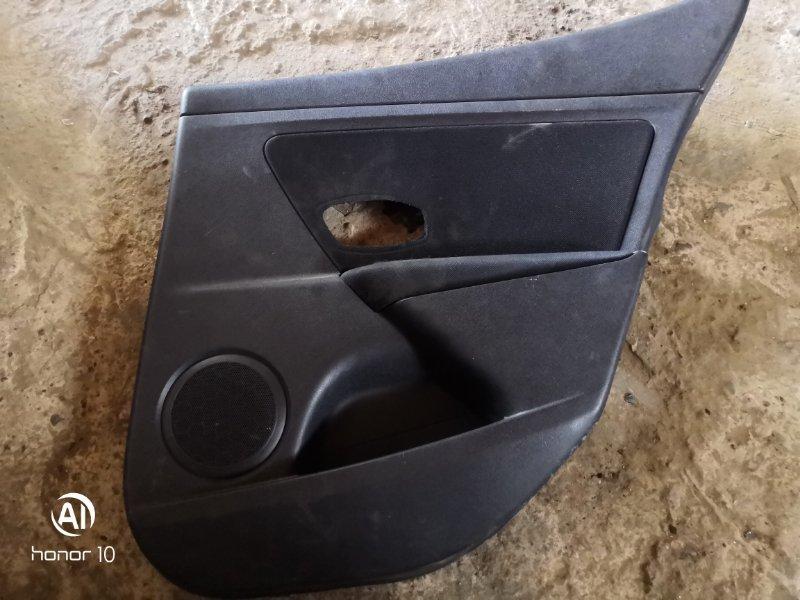 Обшивка карта двери Renault Megan 3 KZ0G/KZOU/KZ1B K4MV838 2015 задняя правая (б/у)