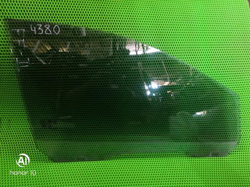 Стекло Ford Focus 2 переднее правое (б/у)