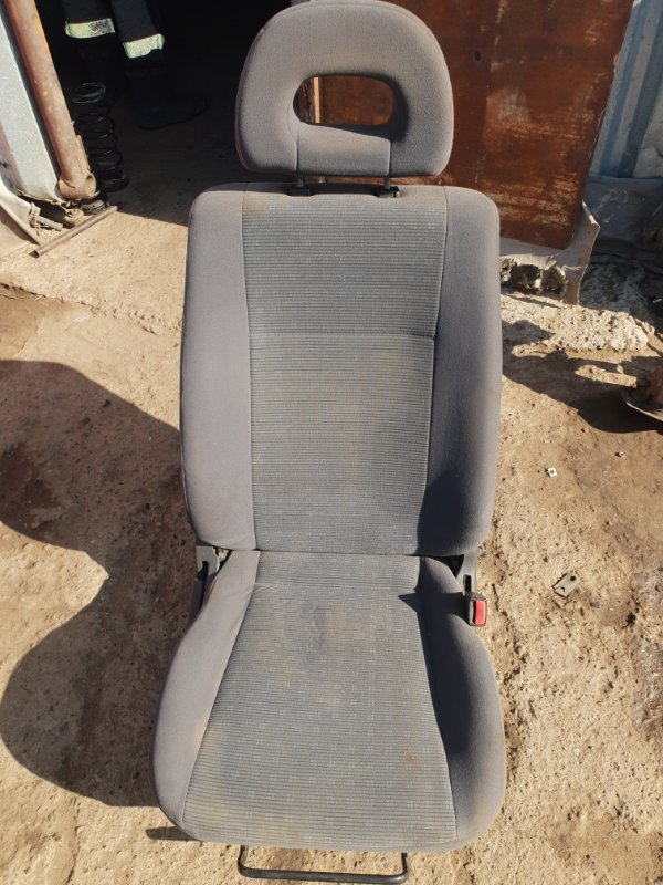 Сиденье Mitsubishi Lancer 9 4G18 2005 переднее правое (б/у)
