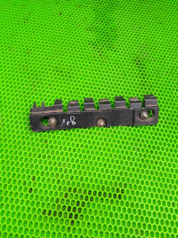 Крепление бампера Lada Largus К7М 2012 заднее левое (б/у)
