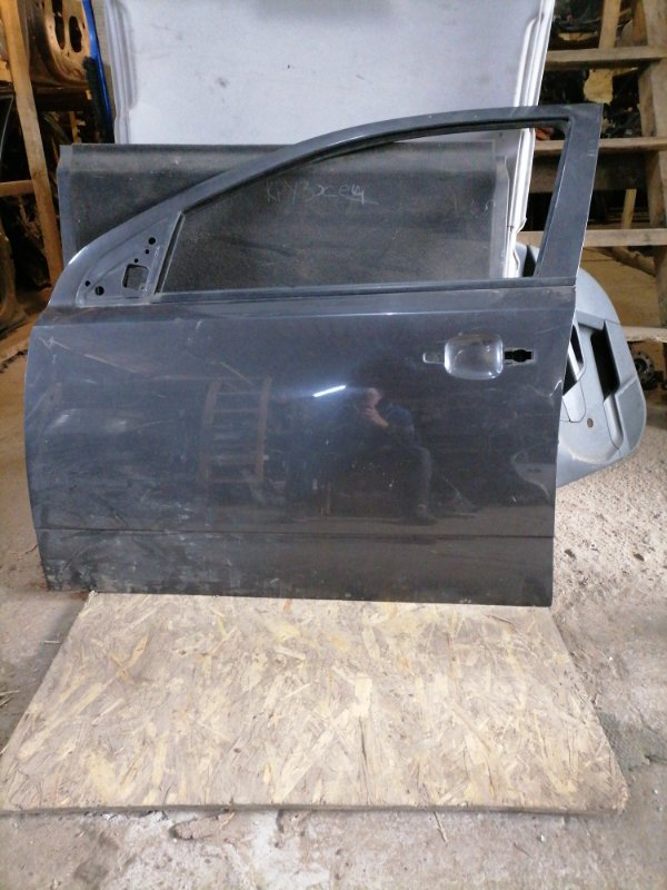 Дверь Opel Astra H передняя левая (б/у)