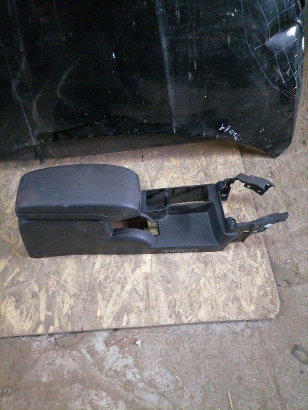 Подлокотник Ford Mondeo 3 передний (б/у)