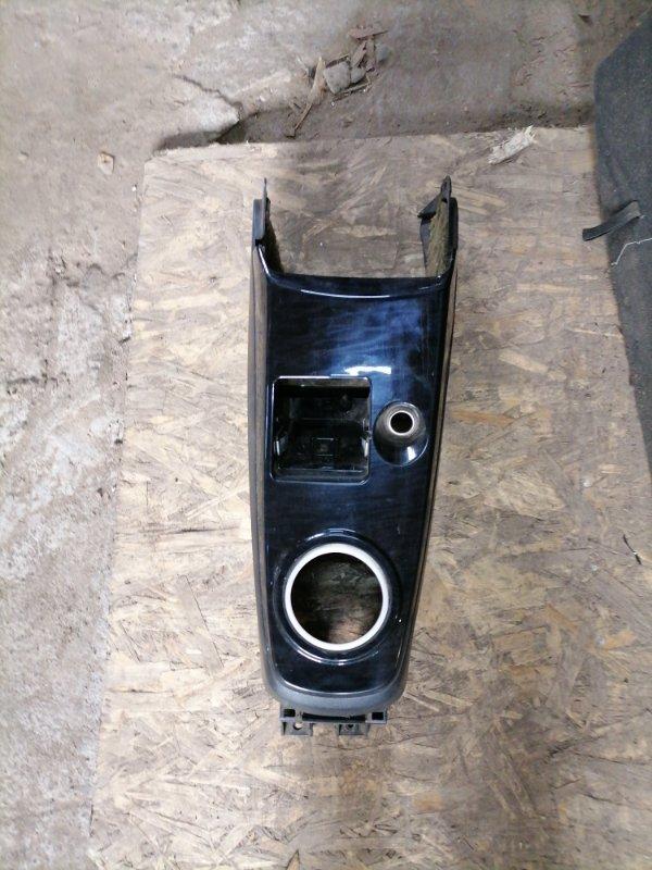 Консоль между сидений Mitsubishi Lancer 9 (б/у)