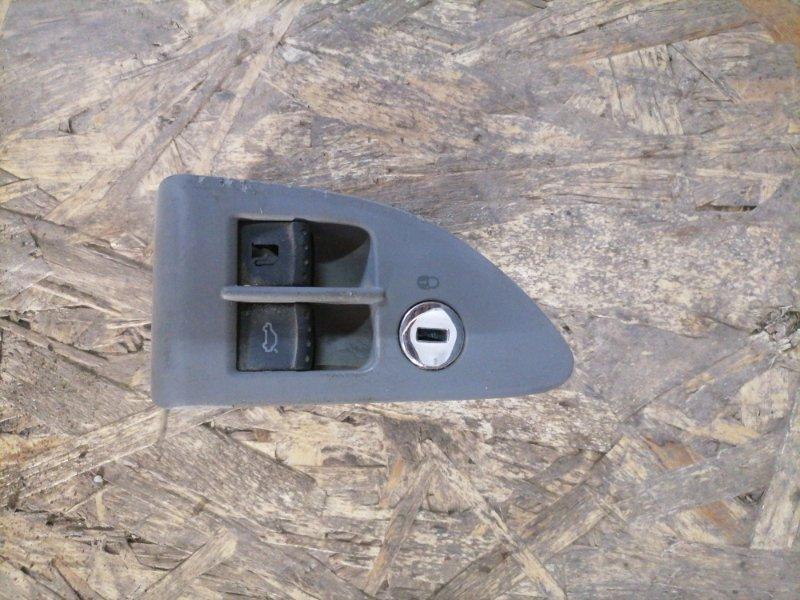 Кнопка багажника Volkswagen Passat B5+ ATQ 2001 (б/у)