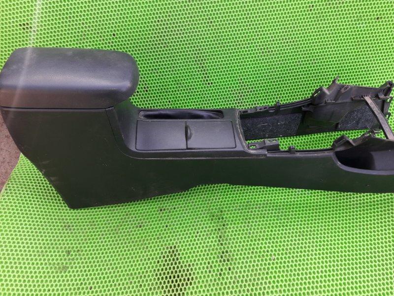 Консоль между сидений Toyota Corolla 151 1ZR-FE 2010 (б/у)