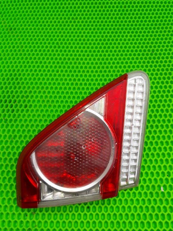 Фонарь внутренний Toyota Corolla 151 1ZR-FE 2010 левый (б/у)