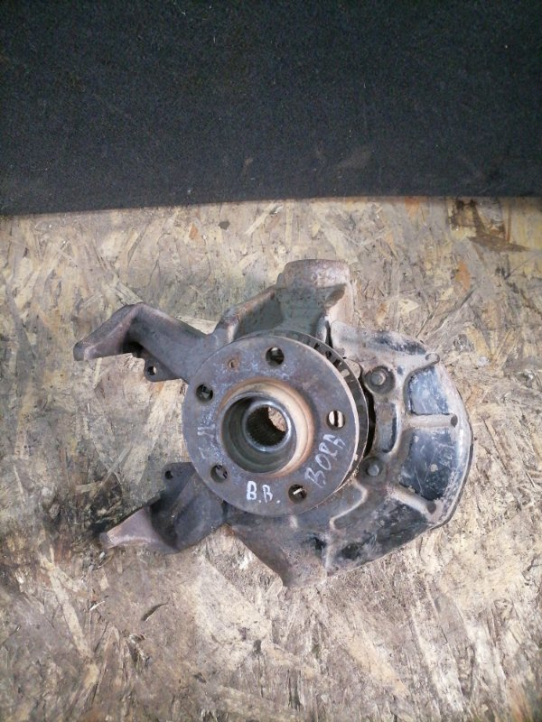 Кулак поворотный Volkswagen Bora AKL 1999 передний левый (б/у)