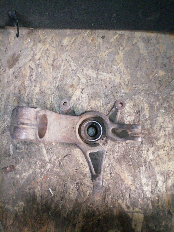 Кулак поворотный Renault Megan 2 передний левый (б/у)